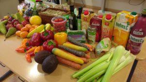Rakuns mit viel Obst und Gemüse